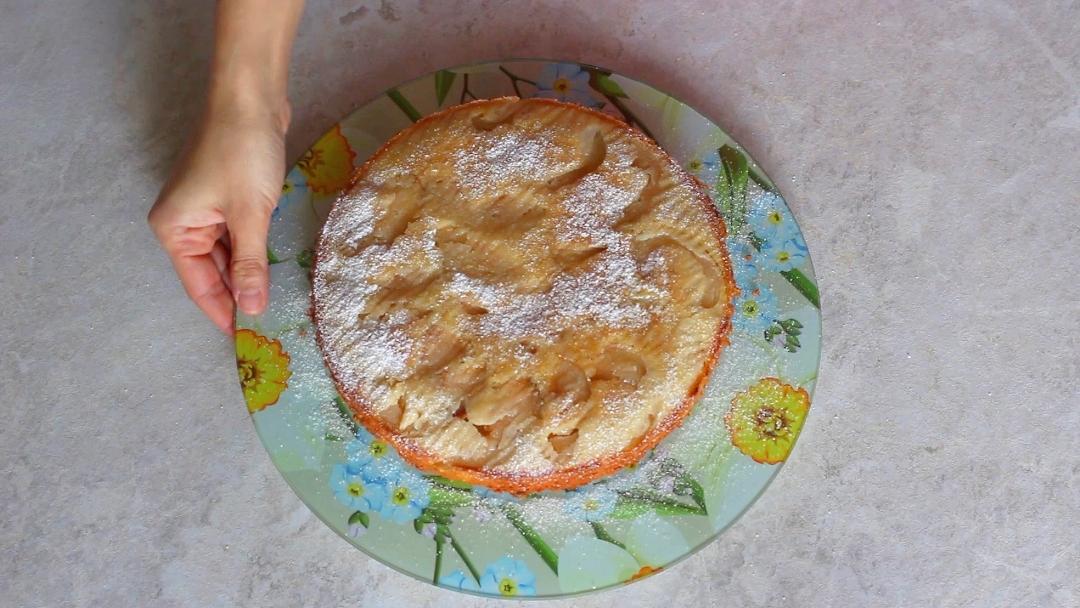 Рецепт приготовления шарлотки с яблоками - шаг 13