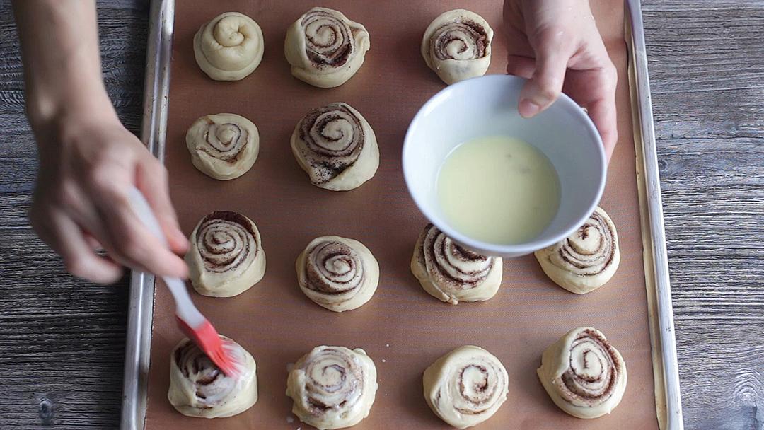 Рецепт приготовления булочек с корицей - шаг 15